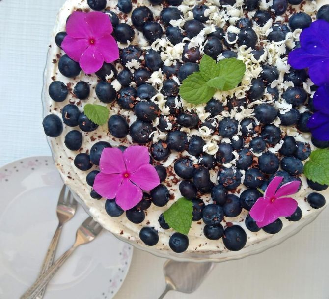 tort z borówkami